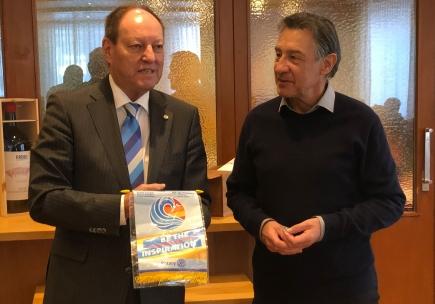 DG Roland Wunderli (links) und Clubpräsident Urs Marbet referierten am Governorbesuch