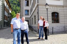 Empfang vor dem Rathaus in Altdorf beim Telldenkmal